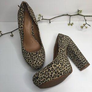 Gianni Bini Leopard Print Chunky Heel Platform 7.5